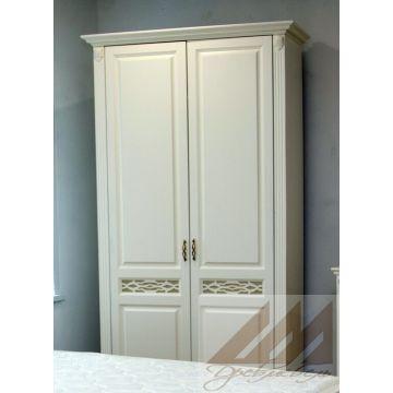 Шкаф двухдверный Верона из бука, березы, сосны