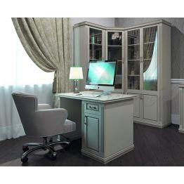 Стол письменный из массива бука, березы, сосны или дуба.